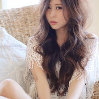 ウェーブ ゆるふわ フェミニン ロング ヘアスタイルや髪型の写真・画像
