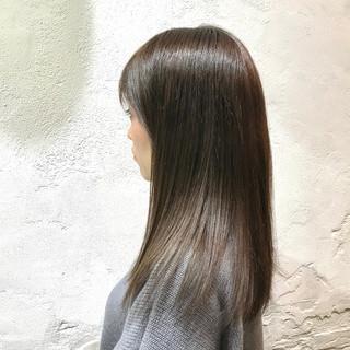 透明感カラー グレージュ エレガント 艶髪 ヘアスタイルや髪型の写真・画像