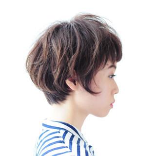 ナチュラル 大人女子 前髪あり 小顔 ヘアスタイルや髪型の写真・画像