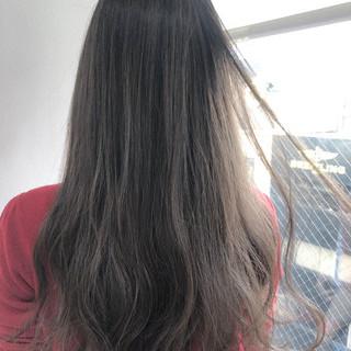 ナチュラル ハイライト ロング アンニュイほつれヘア ヘアスタイルや髪型の写真・画像