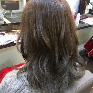 モード 小顔 ニュアンス ミルクティー ヘアスタイルや髪型の写真・画像