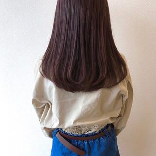 ピンクブラウン ロング ナチュラル ストレート ヘアスタイルや髪型の写真・画像