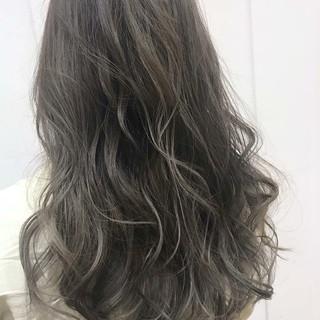 秋冬スタイル 透明感カラー グラデーションカラー グレージュ ヘアスタイルや髪型の写真・画像