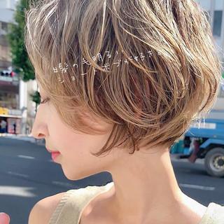 ショートボブ パーマ デート ショート ヘアスタイルや髪型の写真・画像