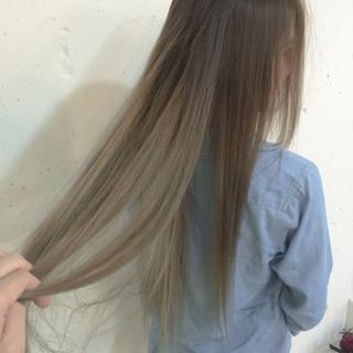 ハイライト グレージュ 外国人風 ロング ヘアスタイルや髪型の写真・画像