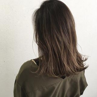 ハイライト 外ハネ グラデーションカラー ロブ ヘアスタイルや髪型の写真・画像 ヘアスタイルや髪型の写真・画像