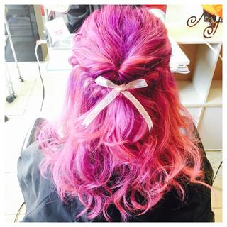 くるりんぱ ヘアアレンジ ミディアム ゆるふわ ヘアスタイルや髪型の写真・画像