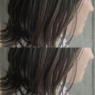 ボブ グレージュ ダブルカラー ナチュラル ヘアスタイルや髪型の写真・画像