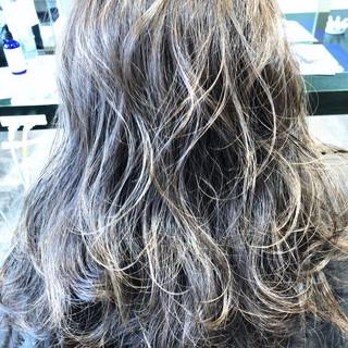 上品 グレージュ エレガント スポーツ ヘアスタイルや髪型の写真・画像