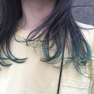 アンニュイ ウェーブ インナーカラー イルミナカラー ヘアスタイルや髪型の写真・画像