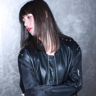 外国人風 前髪あり セミロング モード ヘアスタイルや髪型の写真・画像