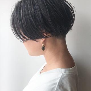 ボブ 刈り上げ ショートボブ ハイライト ヘアスタイルや髪型の写真・画像