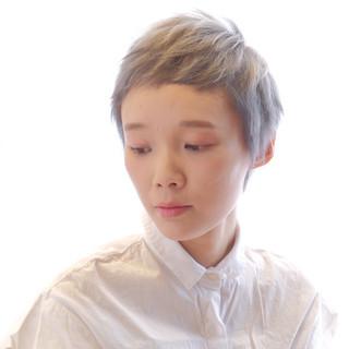 小顔ショート ブリーチカラー ベリーショート モード ヘアスタイルや髪型の写真・画像