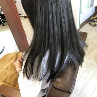 アッシュ オリーブアッシュ ロング ヘアカラー ヘアスタイルや髪型の写真・画像