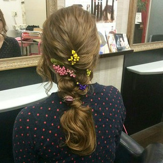 編み込み ヘアアレンジ ナチュラル 結婚式 ヘアスタイルや髪型の写真・画像