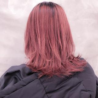 フェミニン ウルフカット パールピンク デート ヘアスタイルや髪型の写真・画像