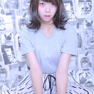 大人かわいい ピュア スモーキーカラー ストリート ヘアスタイルや髪型の写真・画像