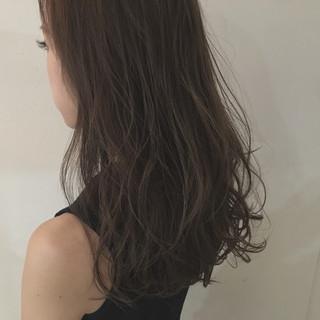 アッシュ ウェットヘア ストリート セミロング ヘアスタイルや髪型の写真・画像