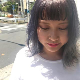 ハイトーン 外ハネ 涼しげ グラデーションカラー ヘアスタイルや髪型の写真・画像