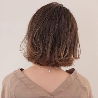 外ハネ グラデーションカラー 女子会 外国人風 ヘアスタイルや髪型の写真・画像