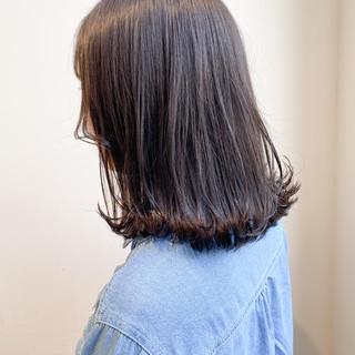 大人可愛い グレージュ セミロング 切りっぱなしボブ ヘアスタイルや髪型の写真・画像
