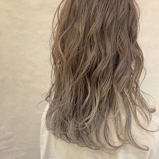 ゆるふわ アウトドア デート フェミニン ヘアスタイルや髪型の写真・画像