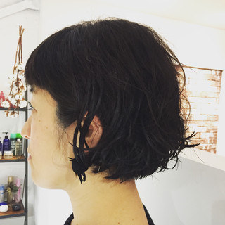 ラフ ボブ ふわふわ ウェーブ ヘアスタイルや髪型の写真・画像