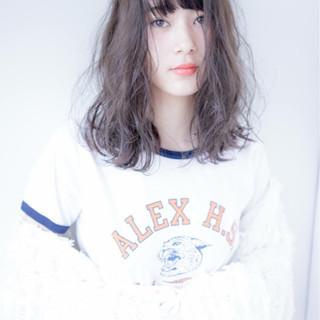 ウェーブ アンニュイ ナチュラル ブルージュ ヘアスタイルや髪型の写真・画像