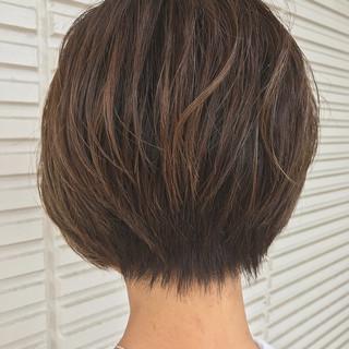 ハイトーン エレガント ハイライト ショート ヘアスタイルや髪型の写真・画像