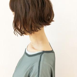 ゆるふわパーマ ショート ナチュラル 大人ショート ヘアスタイルや髪型の写真・画像