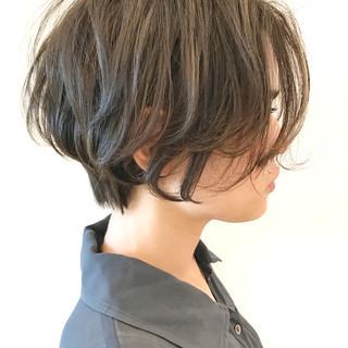 オフィス アウトドア スポーツ ショート ヘアスタイルや髪型の写真・画像