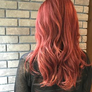 フェミニン セミロング ヘアアレンジ ストリート ヘアスタイルや髪型の写真・画像
