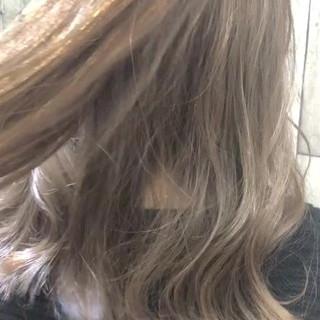 アッシュ 大人かわいい 大人女子 デート ヘアスタイルや髪型の写真・画像