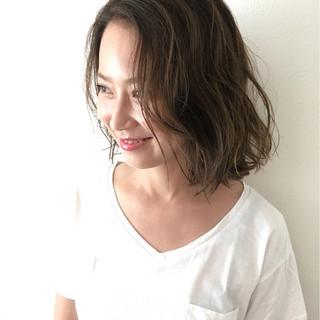 外国人風 グラデーションカラー アッシュ 前髪なし ヘアスタイルや髪型の写真・画像 ヘアスタイルや髪型の写真・画像