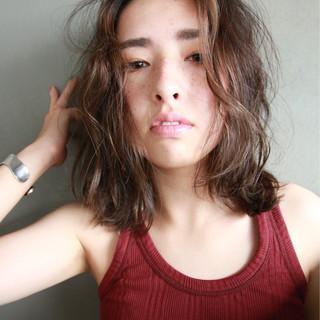 外国人風 アッシュ パーマ くせ毛風 ヘアスタイルや髪型の写真・画像