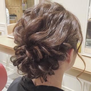 大人かわいい ミディアム ヘアアレンジ 結婚式 ヘアスタイルや髪型の写真・画像
