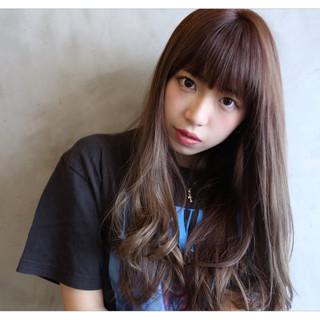 透明感 ロング 前髪あり アッシュ ヘアスタイルや髪型の写真・画像