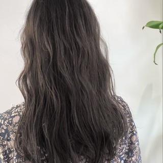 大人かわいい 透明感 ナチュラル グレージュ ヘアスタイルや髪型の写真・画像
