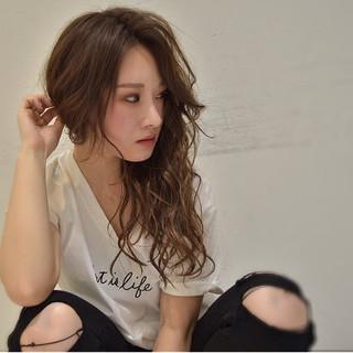 外国人風 フェミニン 色気 ロング ヘアスタイルや髪型の写真・画像