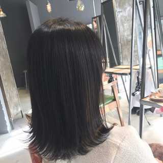 ミディアム ナチュラル 切りっぱなしボブ oggiotto ヘアスタイルや髪型の写真・画像
