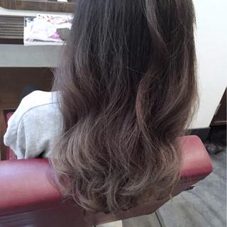 大人かわいい グラデーションカラー フェミニン 暗髪 ヘアスタイルや髪型の写真・画像