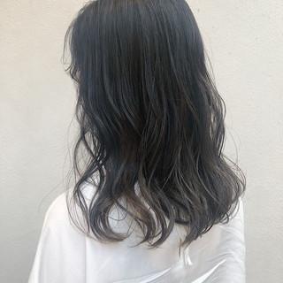 グレージュ 透明感 ガーリー アンニュイほつれヘア ヘアスタイルや髪型の写真・画像