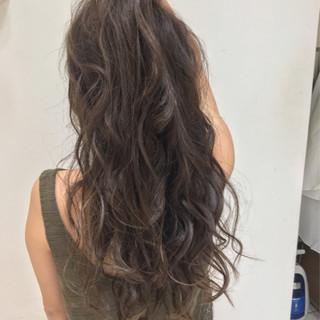 ロング 外国人風 ウェーブ フェミニン ヘアスタイルや髪型の写真・画像