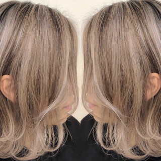ベージュ バレイヤージュ ナチュラル グラデーションカラー ヘアスタイルや髪型の写真・画像