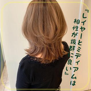 ウルフカット 大人ヘアスタイル 透明感カラー レイヤーカット ヘアスタイルや髪型の写真・画像