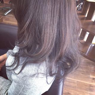 フェミニン 大人かわいい アッシュ 外国人風 ヘアスタイルや髪型の写真・画像