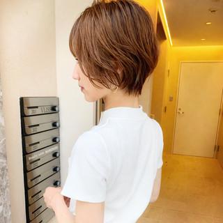 小顔ショート ナチュラル デート 小顔 ヘアスタイルや髪型の写真・画像