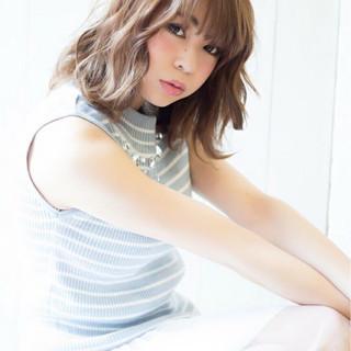 ミディアム 夏 大人かわいい ナチュラル ヘアスタイルや髪型の写真・画像 ヘアスタイルや髪型の写真・画像