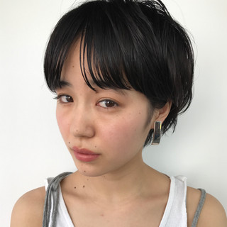 ナチュラル ショート 前髪あり 前髪パーマ ヘアスタイルや髪型の写真・画像