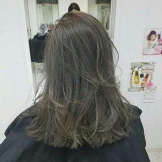ミディアム イルミナカラー ガーリー ダブルカラー ヘアスタイルや髪型の写真・画像